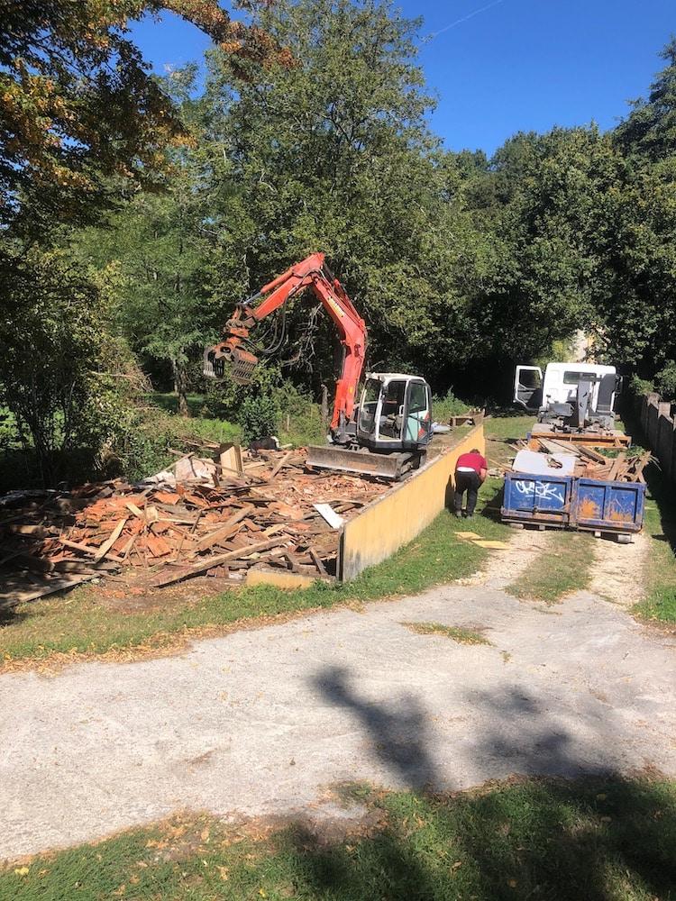 Demolition dune Grange a Lignan de Bordeaux 5